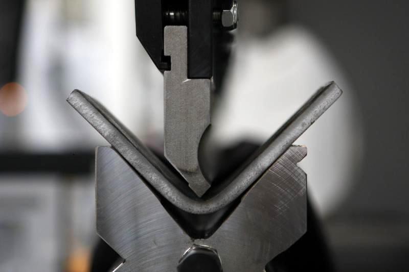 Одноугловая гибка металла