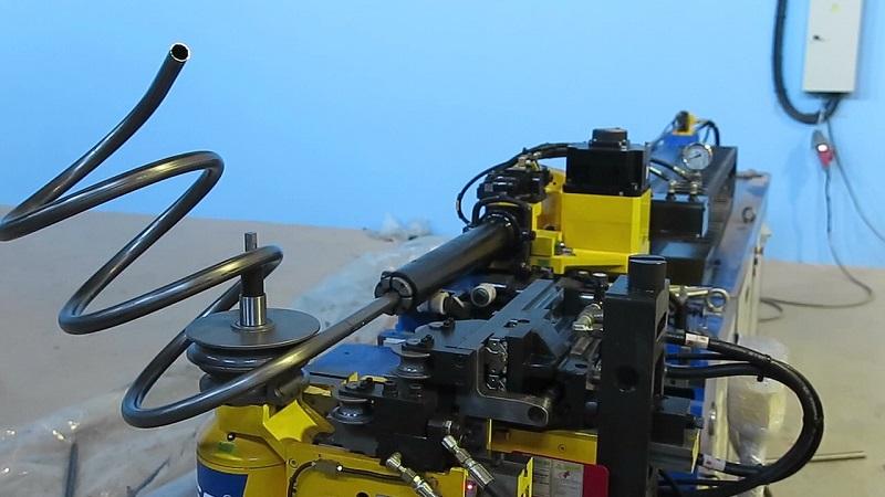 Автоматический трубогиб с ЧПУ